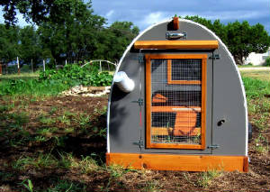 An Innovative Mobile Chicken Coop for Your Garden in Luling, TX